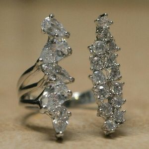 Boutique Jewelry - Dazzling Brand New Silver and Cubic Zirconia Ring