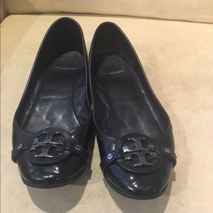 Tory Burch, black patent leather flat HOLD