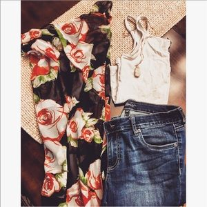 Tops - 🎊🎊 floral kimono feat. In user pic 😍