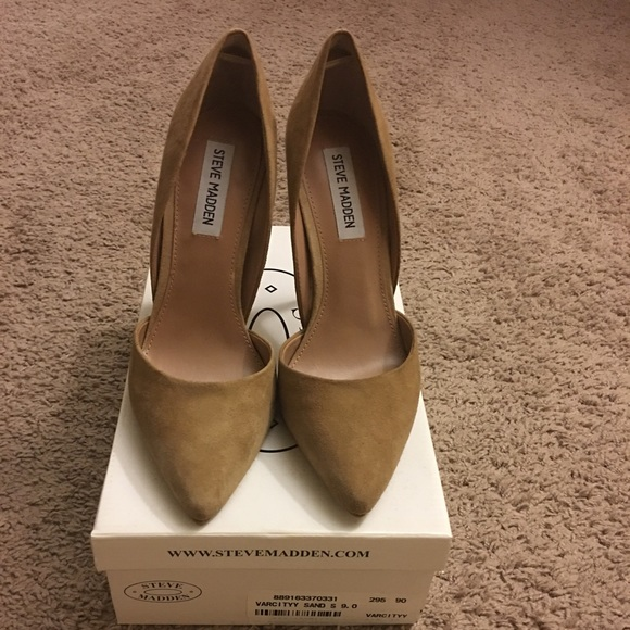 3144474ab90 Steve Madden Varcityy suede pump - size 9