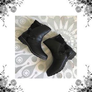 Teva Shoes - ⬇️ Teva Delavina Low Black Ankle Boots