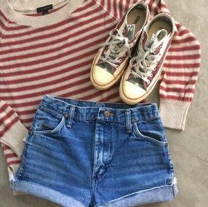 Adorable 70s style vintage Wrangler shorts. Size 2