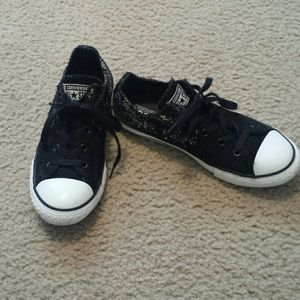 Converse Other - Girl's Converse Size 3