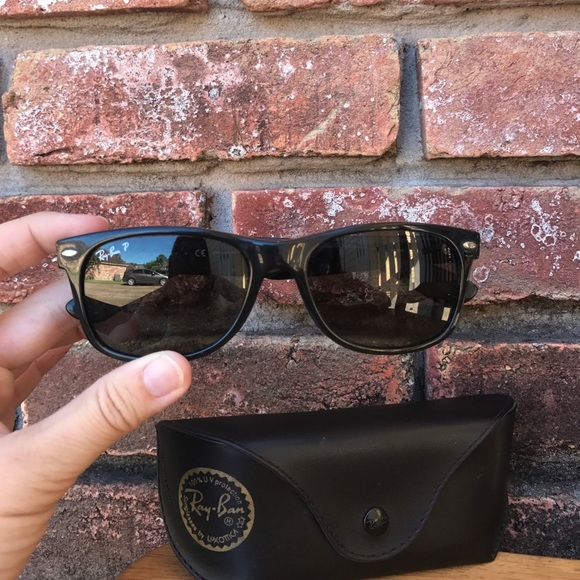 6ea07b7bcb5a Wayfarers Ray Ban People Wearing Converse Shoes « Heritage Malta