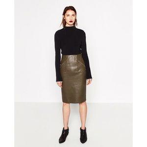 zara • faux leather skirt