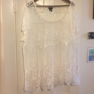 Torrid NWOT size 3 lace and mesh top