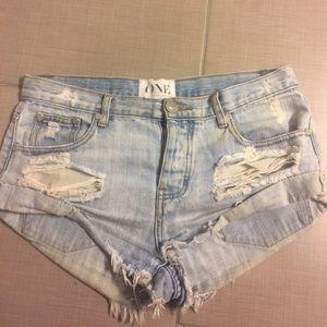 One Teaspoon Bandits denim cutoff shorts size 27