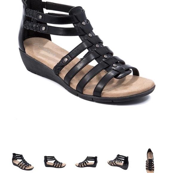 c092788acf6 Comfy Gladiator Sandals (BareTraps Fenma)