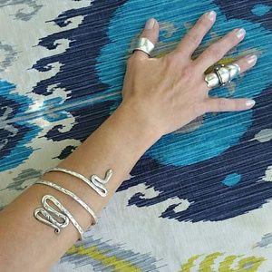 Snake cuff/armband