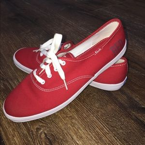 Product RED Keds
