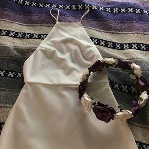AQ/AQ Dresses & Skirts - Stunning Fitted All White AQ/AQ Dress