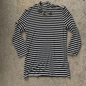 Striped quarter sleeve top