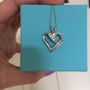 14K white gold diamond heart necklace