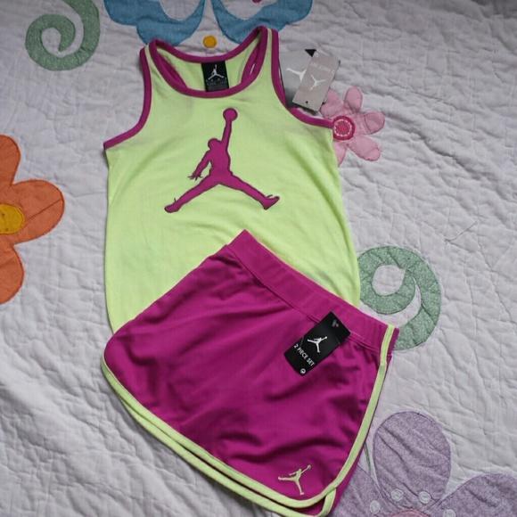 d7d126c56127 NWT Nike girl(6) top   short set