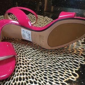 b20ede5a399d Clarks Shoes - Clark s Fuchsia Sandals size 7 1 2 wore ...