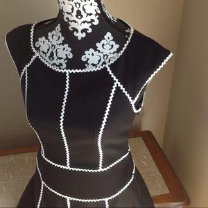 Maggy  London dress short black white zipper size6