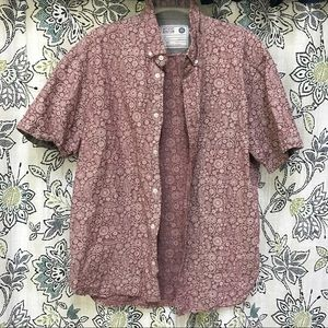 Artistry in motion short sleeve button up size L