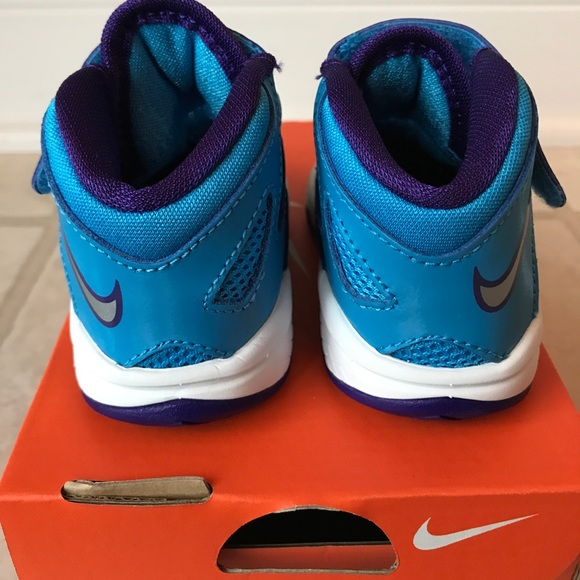 off Nike Other Nike Sol r baby sneaker size 4c