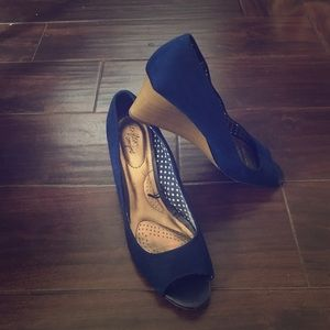 Blue peep toe wedges
