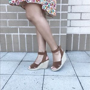 Ankle wrap wedges