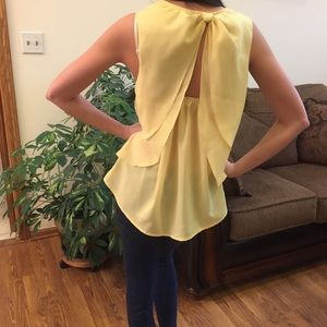 Francesca's Collections Tops - Francesca's Baby Yellow Open Back Top
