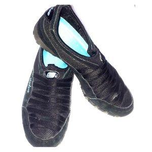 Skechers Shoes - Sketchers slip on shoes