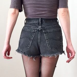 90s LEE VINTAGE Black High Waisted Cut Off Shorts