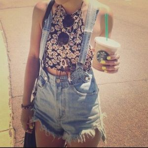 Brandy Melville Tops - Daisy halter top