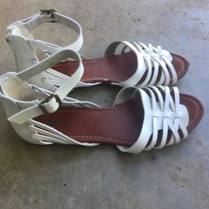 Mia gladiator sandals white 8.5