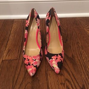 Banana Republic floral pumps 