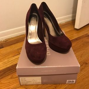Bakers Shoes - Burgundy Suede pumps with the box!! Size 8