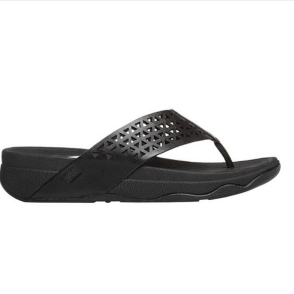 f31464cad5e32e FitFlop Women s Leather Lattice Surfa Thong Sandal