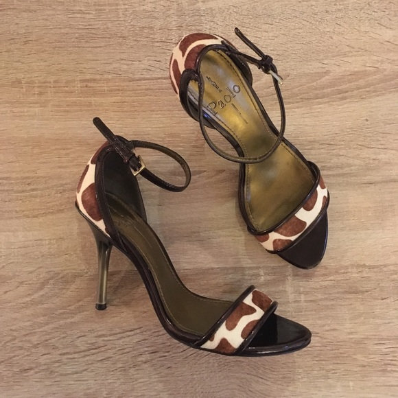 1135d4e3a0d Linea Paolo Shoes - Final Price🌟Linea Paolo Giraffe Print Ankle Strap