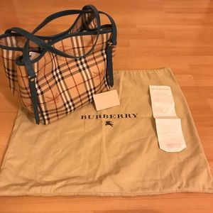 Burberry Handbags - Burberry Canterbury Tote Purse