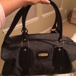 Saks Fifth Avenue Handbags - Fifth Ave duffel bag