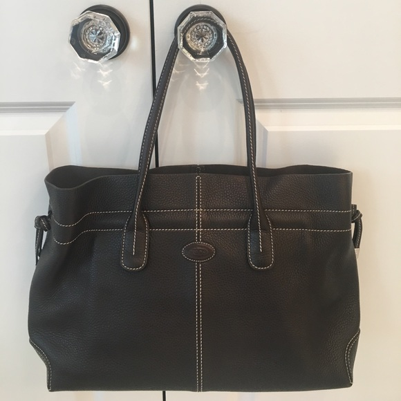 034f9666a5b Tod's Bags | Tods Classic Dbag Leather Tote Medium | Poshmark