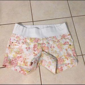 Pants - Small maternity shorts
