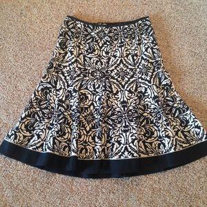Ann Taylor Dresses & Skirts - Ann Taylor Black & White Lined Skirt