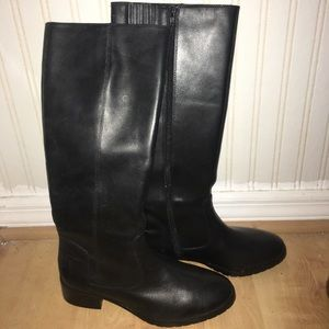 Donald J. Pliner Boots (Black)