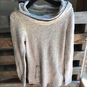 Royal Robbins Sweaters - Royal Robbins cowl sweater M GUC