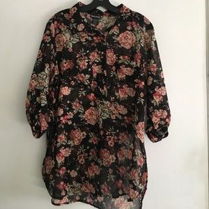 Wet Seal Tops - 🌺floral print blouse🌺