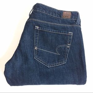 American Eagle Outfitters Denim - American Eagle 77 Straight Jeans Size 6