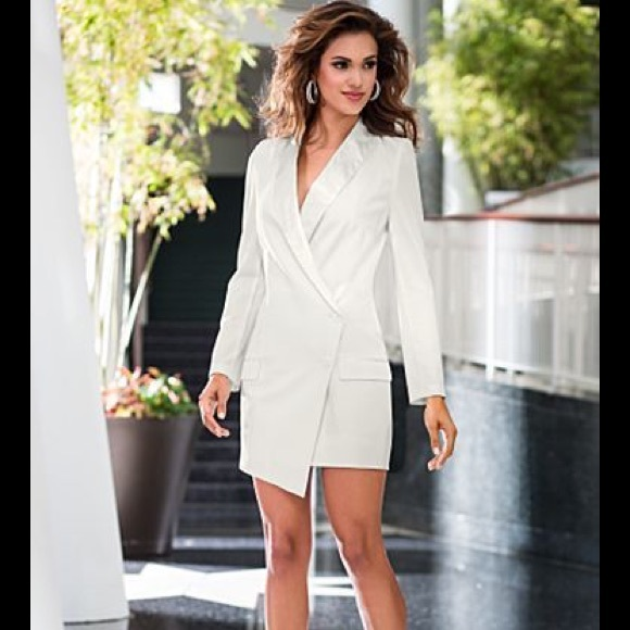 6e43afd5c23 Venus white tuxedo blazer dress. M_5908b57e99086a8299004e17