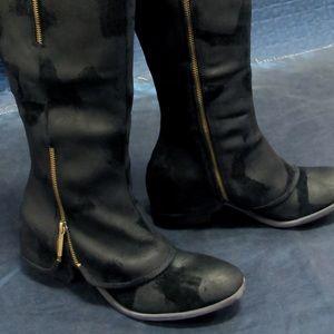 Donald J Pliner Devi Zipper Suede Overlay Boot