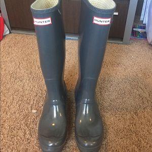 Hunter gloss rain boots