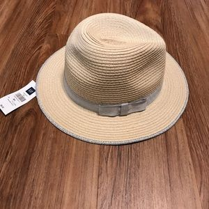 Gap Factory Accessories - Gap Factory Straw and Silver Bowed Hat NWT