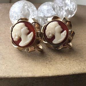 Vintage cameo screw back earrings floral loop base