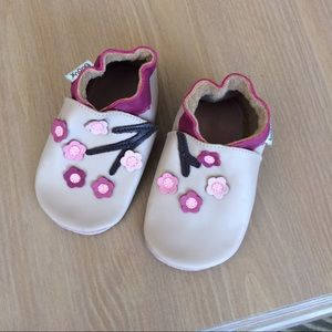 Bobux Other - Bobux soft soled leather shoes