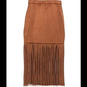 ASTARS Dresses & Skirts - ASTARS Brown Faux Suede Fringe Skirt 💃 - L