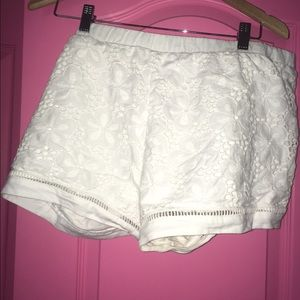 Lilly Pulitzer eyelet shorts size XL
